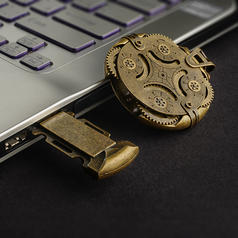 Ironglyph - Verriegelter USB-Stick im Steampunk-Design